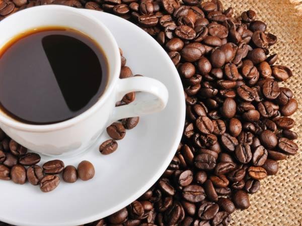 <p> Uống nhiều cà phê cũng không tốt cho da dẻ.</p>