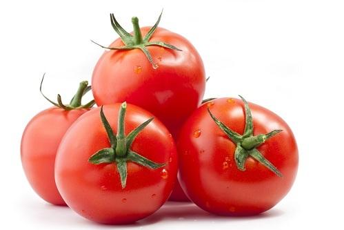 """<p class=""""Normal""""> Cà chua rất ngon và bổ dưỡng nhưng lại không tốt cho dạ dày rỗng không. Axit trong cà chua kết hợp với axit tiêu hóa tạo ra các hợp chất không hòa tan, gây nên sỏi dạ dày.</p>"""