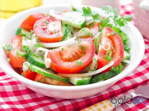 <p> Một cuộc khảo sát khác cho kết quả hơn 92% người ăn sáng thích bữa ăn nấu chín. Tuy nhiên trong thực tế xà lách, rau sống hoặc sinh tố rau quả xanh là lựa chọn tốt hơn.</p>