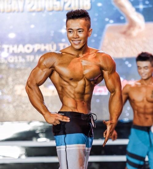 Ngọc Tân sau 5 năm tập luyện sở hữu khối lượng cơ khủng lồ. Ảnh: C.K