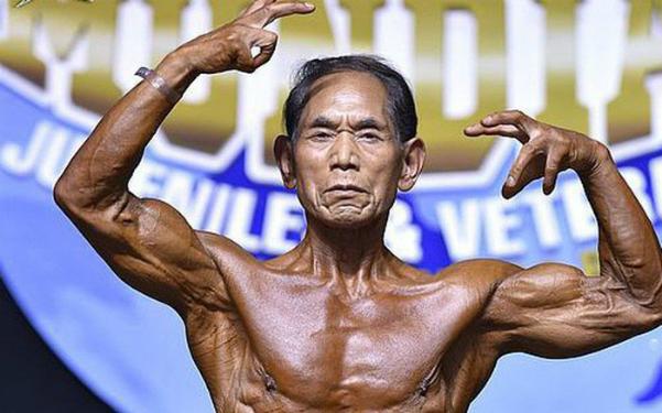 Ông Kanazawasở hữu khối cơ bắp rắn chắc ở tuổi 81. Ảnh: OC.