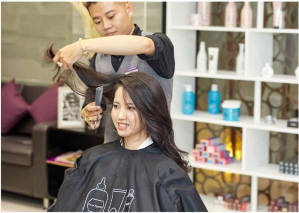 Beauty Salon hiện đại do các nhà tạo mẫu chuyên nghiệp đảm trách.