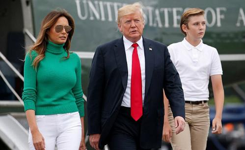 Barron Trump mới 12 tuổi đã cao vượt mẹ và sắp bằng bố. Ảnh: AFP.
