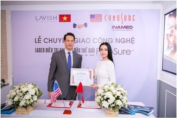 Buổi ký kết chuyển giao công nghệ Laser Picosure tại Lavish Aesthetic Clinic.