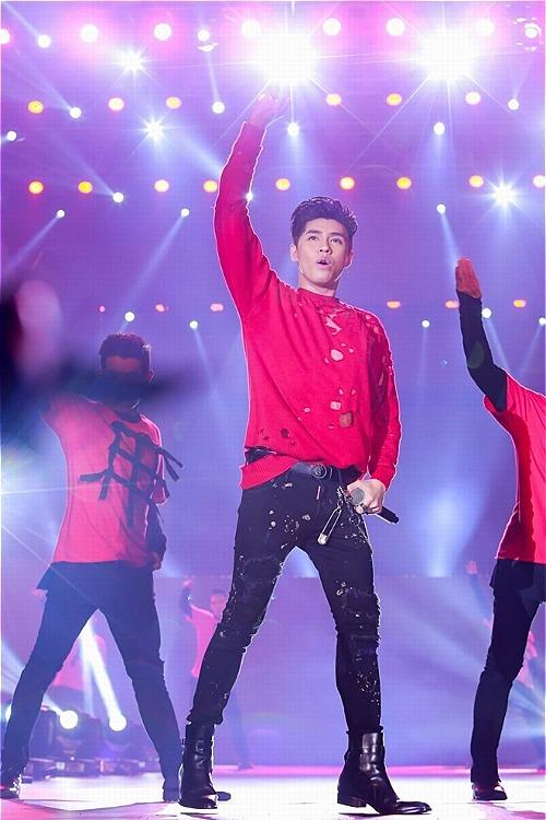 NNoo Phước Thịnh là khách mời đặc biệt,hứa hẹn sẽ làm bùng nổ sân khấu với những bản hit đã làm nên tên tuổi của mình.