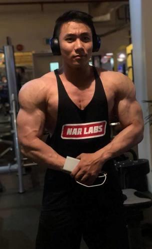 Hồ Long sở hữu khối cơ bắp khủng. Ảnh: C.K