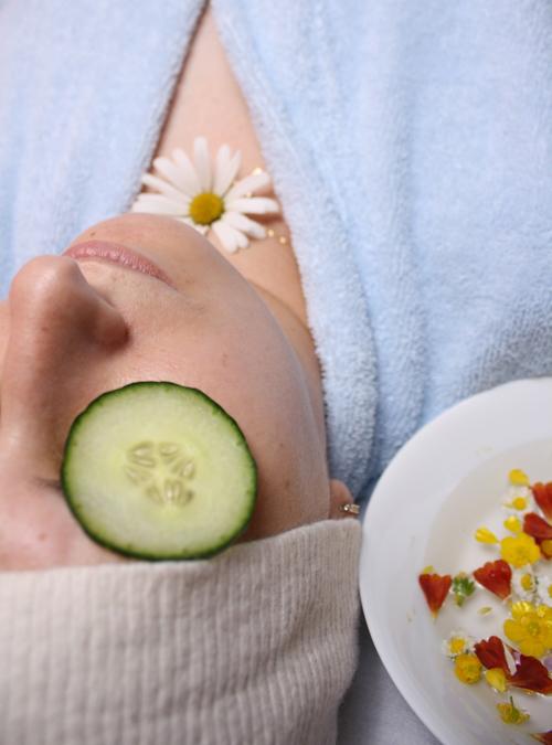 Mặt nạ từ sản phẩm thiên nhiên vừa lành tính, vừa cung cấp nhiều dưỡng chất cho da.