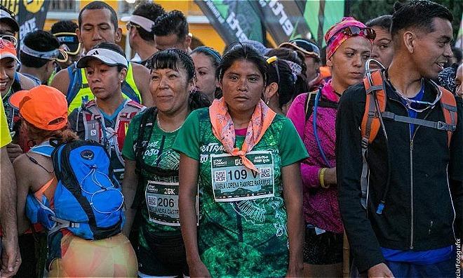 Cô gái đến từ bộ lạc dành giải nhất cuộc chạy Marathon mà không cần một thiết bị thể thao hỗ trợ nào.