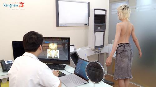 Trước khi tiến hành phẫu thuật nâng ngực khách hàng cần có một quy trình thăm khám kỹ.
