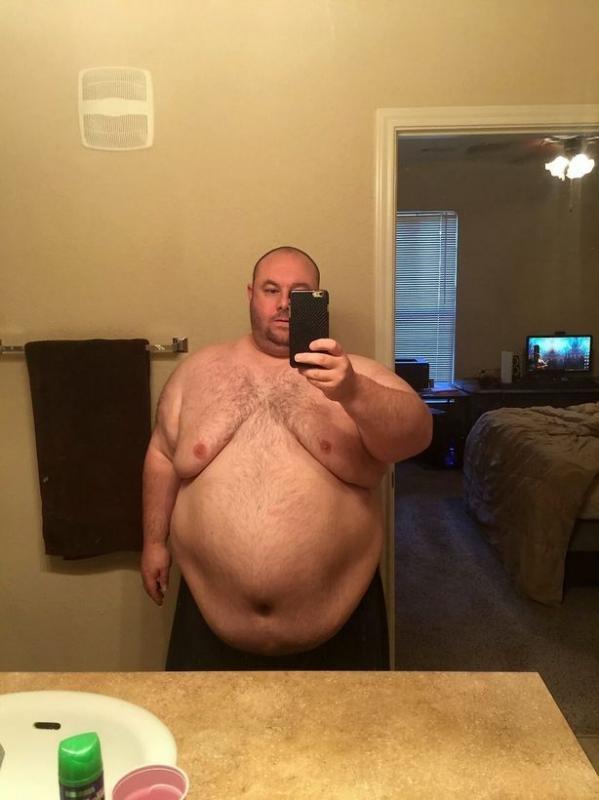 Ngoại hình quá khổ với cân nặng 184 kg khiến cuộc hôn nhân củaStephen đổ vỡ. Ảnh: DS