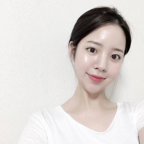 Mul trong tiếng Hàn gọi là nước, Gwang là ánh sáng. MulGwang là chỉ làn da trong như nước, sáng bóng, căng mọng.
