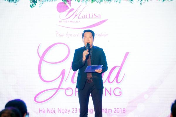 Ông Hoàng Kim Khánh phát biểu trong buổi khai trương viện thẩm mỹ Mailisa ở Nguyễn Khánh Toàn, Hà Nội.