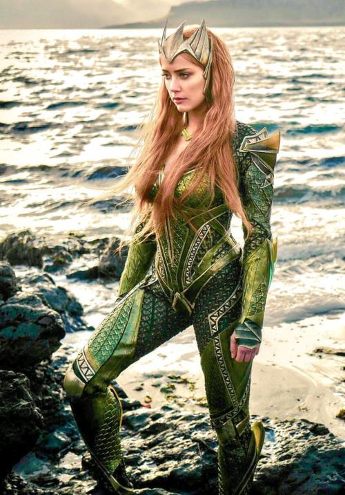 Amber Heard đóng vai nàng Mera quyến rũ trong bộ phim Aquaman. Ảnh: Pinterest.