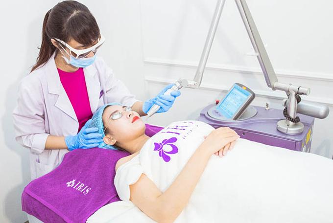 Giải pháp Laser Revlite tại Viện thẩm mỹ Iris có thể đẩy lùi nám da.