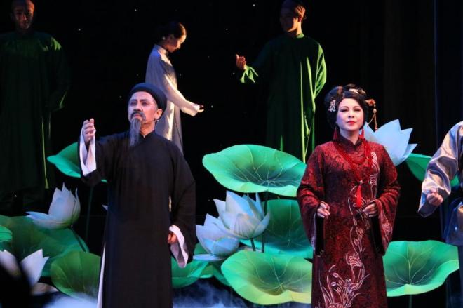 NSƯT Thành Lộc đưa vở nhạc kịch Tiên Nga trở thành một tác phẩm văn học nghệ thuật xuất sắc.