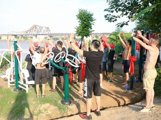 California Fitnessđầu tư loạt thiết bị tập gym tại bãi giữa sông Hồng - 1