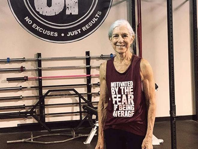 Bà Lauren, 72 tuổi tập gym 2 giờ mỗi ngày từ 6 giờ sáng để cải thiện sức khỏe. Ảnh: GMA