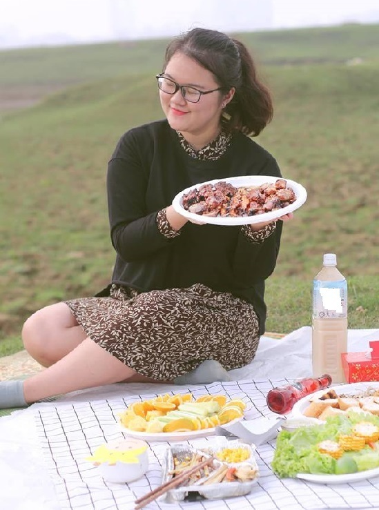 Nguyệt có sở thích nấu ăn và nấu ăn khá ngon nên dù có ý định giảm cân nhiều lần mà không thành. Ảnh: Ánh Nguyệt
