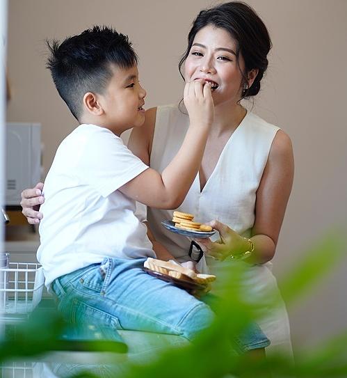MC Thanh Phương luôn ưu tiên chuẩn bị bữa sáng đầy đủ dưỡng chất cho con.