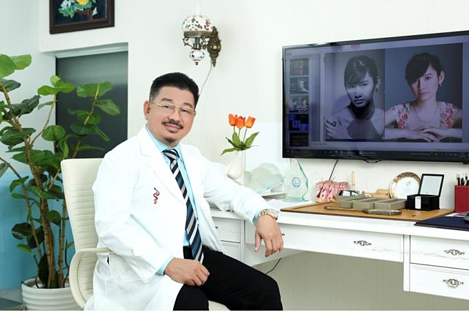 Phó giáo sư, Tiến sĩ Lê Hành - Chủ tịch hội Phẫu thuật tạo hình thẩm mỹ Việt Nam (VSAPS)