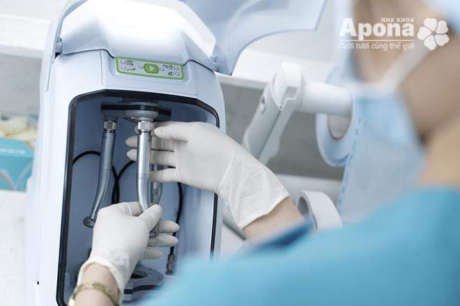 Nha khoa Apona sử dụng tay khoan riêng và vô trùng cho từng người.