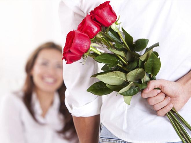 Hoa tươi chỉ nên là món quà tặng kèm