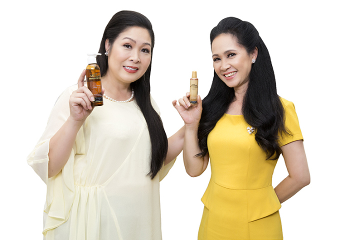 Hồng Vân và Lan Hương giảm rụng tóc nhờ dầu gội thảo mộc Megumi.