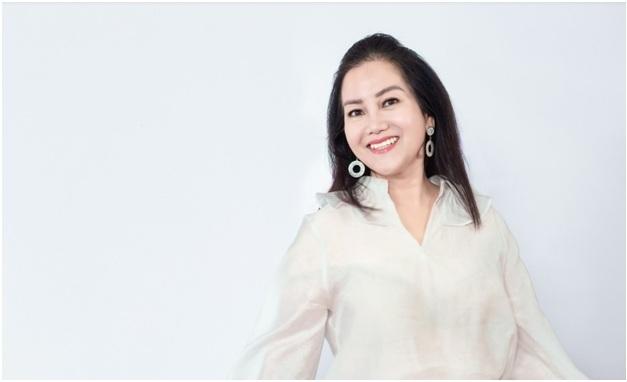 Nữ doanh nhân Giao Giao rạng rỡ hơn sau khi trải nghiệm công nghệ trẻ hóa tại Belas Spa.