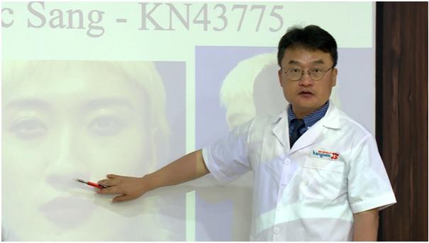 Dr Kang Kyoung-Jin - cố vấn chuyên môn, đồng hành cùng chương trình từ mùa thứ 2.