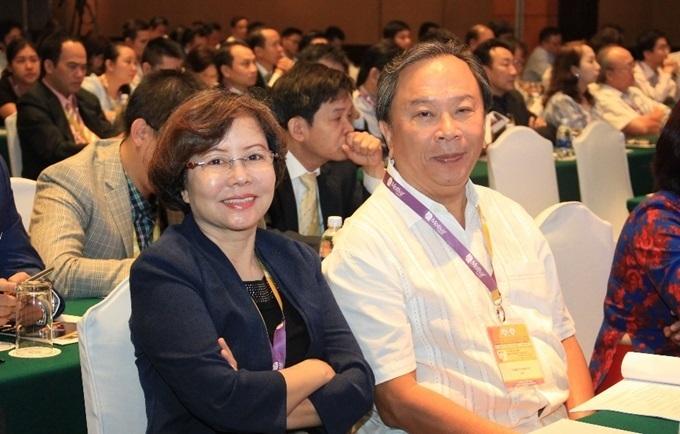TS-BS Trần Thị Anh Tú tại Đại hội Thành lập Hội Phẫu thuật tạo hình thẩm mỹ Việt Nam 2018.