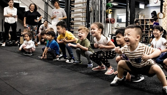 Trẻ em tập luyện tại một trung tâm thể hình. Ảnh: SCMP