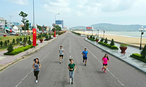 Chạy bộ thường xuyên góp phần cải thiện hệ miễn dịch, nâng cao sức khỏe tổng thể. Ảnh: Ngọc Thành.