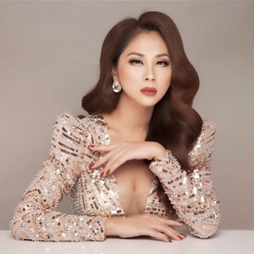 Ca sĩ Phương Trang hiện phát triển sự nghiệp ở Mỹ.