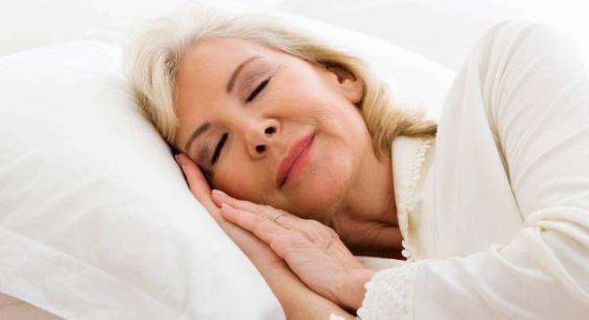 Ngủ đủ giấc giúp mỗi người tỉnh táo, thoải mái hơn.