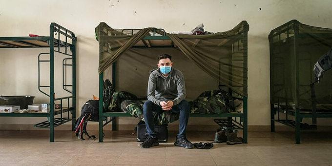 Gavin Wheeldon trong khu cách ly tại Hà Nội. Ảnh:Gavin Wheeldon