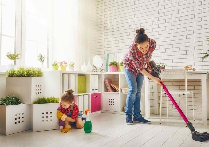 Thường xuyên lau dọn nhà cửa sạch sẽ