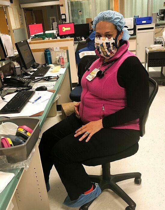 Bác sĩClayborne tại văn phòngBệnh việnUM Prince George. Ảnh: WSJ