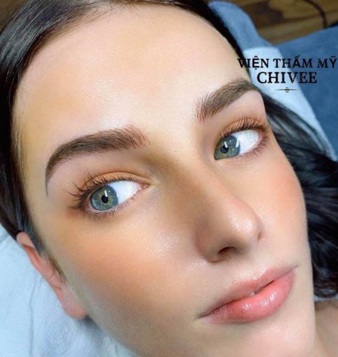 Nhiều người nước ngoài cũng chọn Chivee để gứi gắm nhan sắc.