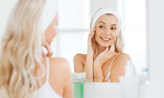 Tuỳ thuộc vào loại da và tình trạng da để lựa chọn cách chăm sóc và sản phẩm chăm sóc phù hợp. Ảnh: Health