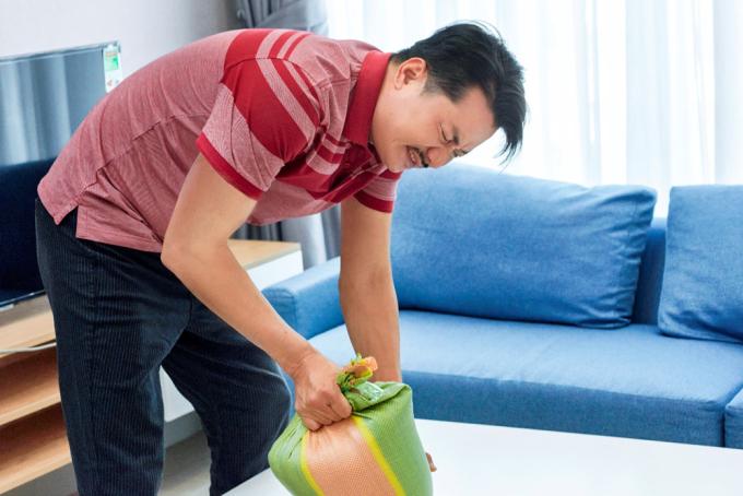 Tay chân yếu cũng là một trong những dấu hiệu cảnh báo sớm nguy cơ đột quỵ.
