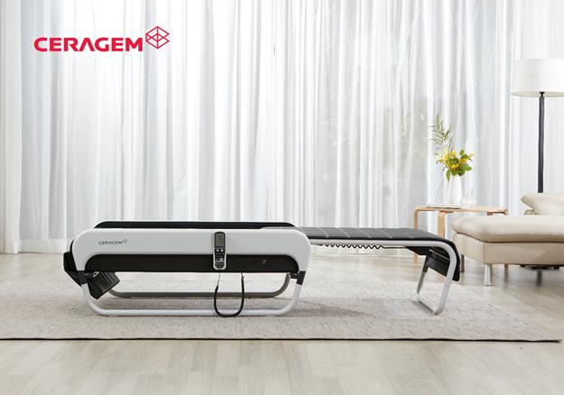 Ceragem Master V3 có thiết kế sang trọng hiện đại với chức năng trượt mở độc đáo. Khi không sử dụng có thể đóng lại như ghế sofa.