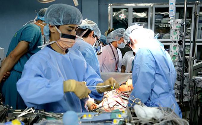 Tại sao tìm phổi ghép bệnh nhân phi công từ người chết não?