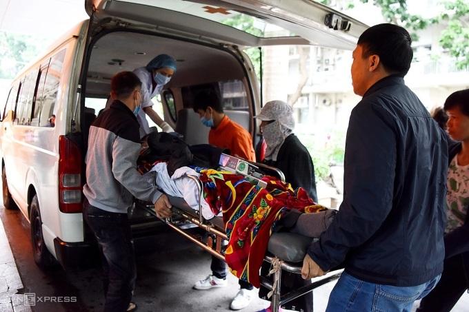 Bệnh viện Bạch Mai hủy nhiều dịch vụ thu tiền bệnh nhân