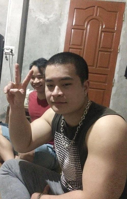 Từ một chàng trai mỏng như tàu lá, Dinh tăng liền 50 kg vì rối loạn chuyển hóa dưỡng chất. Ảnh: Nhân vật cung cấp