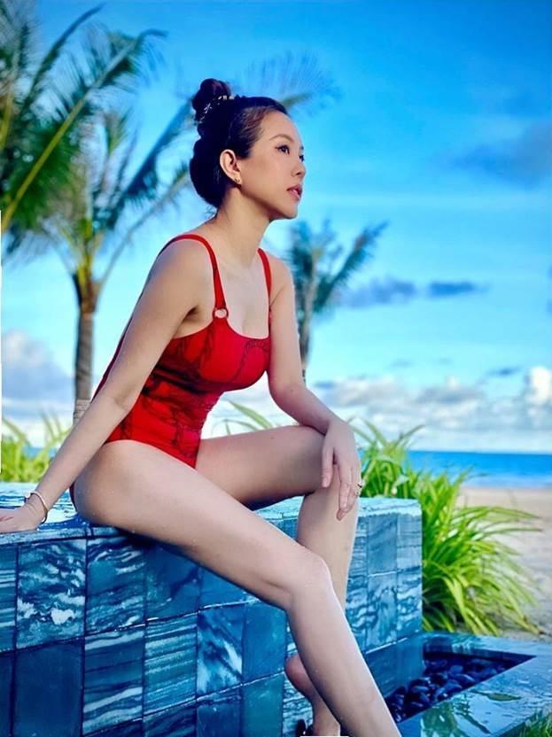 Hoa hậu Thu Hoài sexyqua ống kính Trấn Thành.