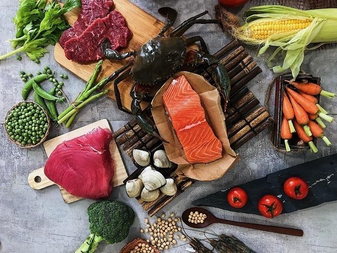 Glutamate thường có trong trong thực phẩm như thịt, hải sản, rau củ quả. Ảnh: Shutterstock.