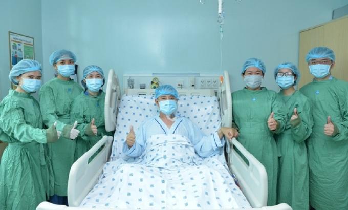 Anh Luân được xuất viện chỉ hai tuần sau ca ghép phức tạp. Ảnh Bệnh viện cung cấp