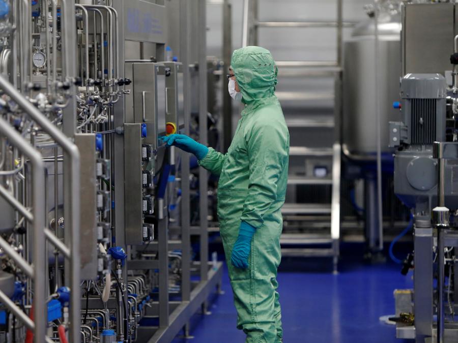 'Ông lớn' Trung Quốc bứt phá trong cuộc đua vaccine toàn cầu