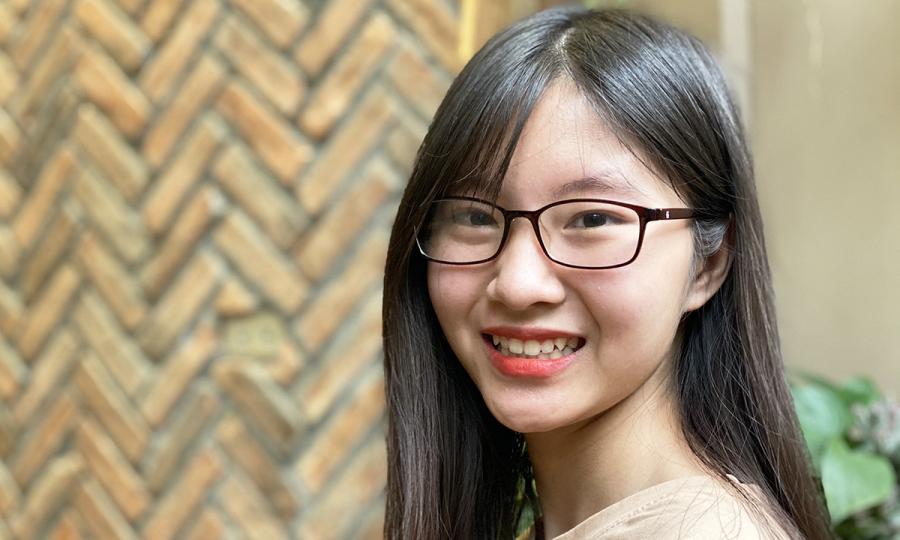 Nữ sinh 18 tuổi sống chung với bệnh bại não
