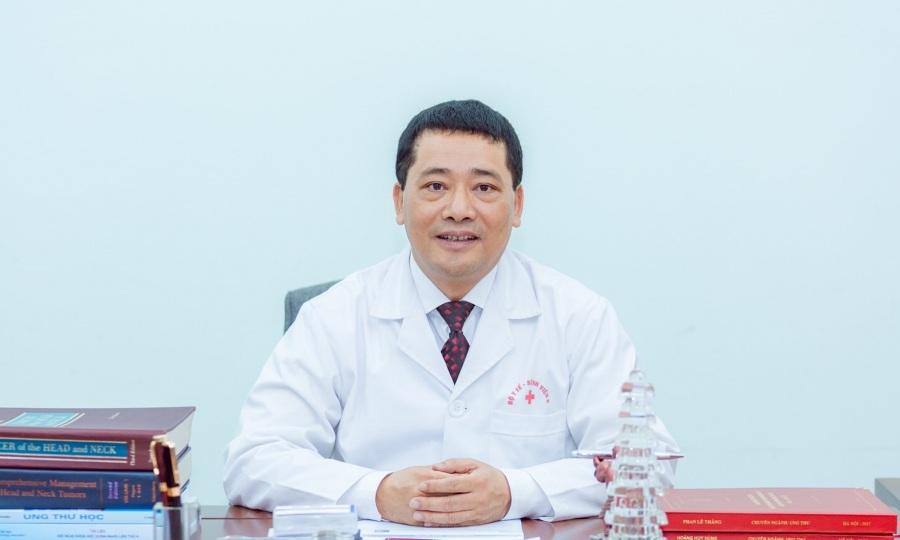 Giám đốc viện K: 'Ung thư không phải do quả báo'